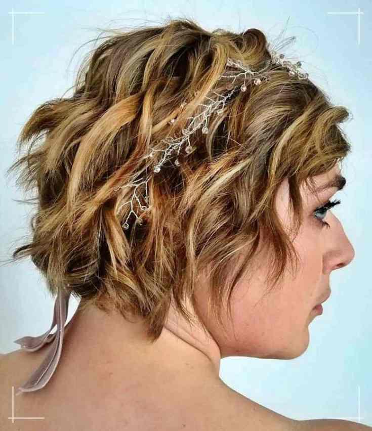 26 Kinnlanges Haar mit Accessoires