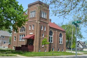The former Lifeline Ministries Church, 800 G Ave. NW, will be demolished unless a buyer comes forward. (photo/Cindy Hadish)