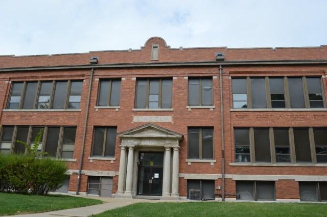 Cedar Rapids School Board votes to sell Lincoln School to local church