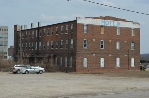 Linn County owns the Mott Building, just a short distance from the Knutson Building in southwest Cedar Rapids. One proposal would relocate the Knutson Building closer to the Mott Building. (photo/Cindy Hadish)
