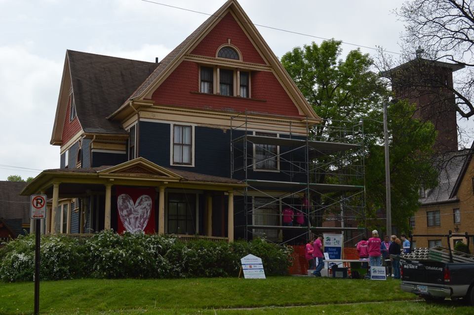 Volunteers have rallied around the Victorian house after an anonymous complaint was lodged under the Cedar Rapids nuisance abatement ordinance. (photo/Cindy Hadish)