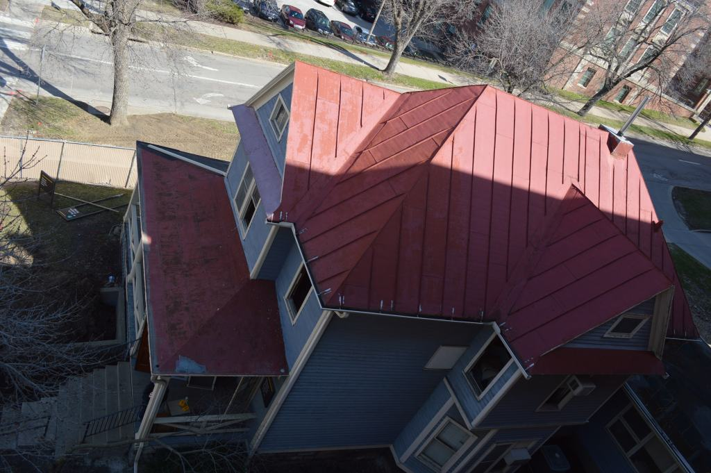 ic red roof