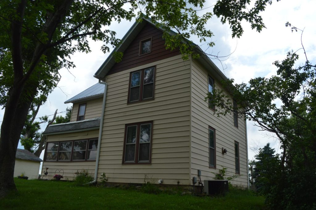 Two 1880s houses in need of new homes in Iowa