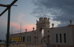 KRYSTLE MARCELLUS / KMARCELLUS@STARADVERTISER.COM Studying an option somewhere between full restoration of the Waikiki War Memorial Natatorium and preserving only its arches would delay action on the project by more than a year.