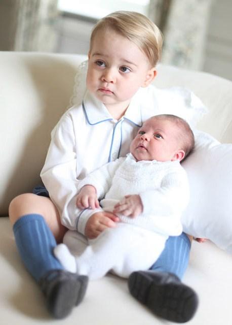Kate Middleton Mengabadikan Foto Potret Kedua Anaknya