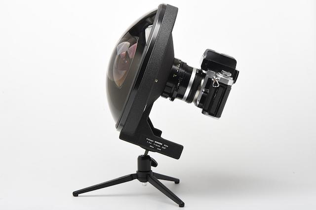 Lensa Fisheye Super Langka Nikon : Nikkor 6mm f/2.8 Bisa Melihat Hingga Ke Belakang