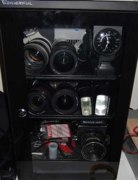 Tips Fotografi : Menyimpan Kamera DSLR & Kamera Saku Dengan Benar