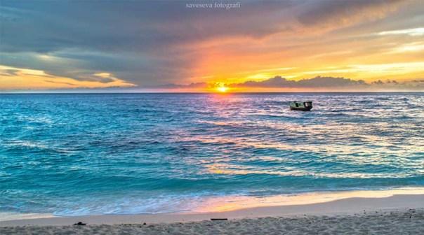 10 Trik Membuat Foto Pantai Terlihat Jauh Lebih Menarik