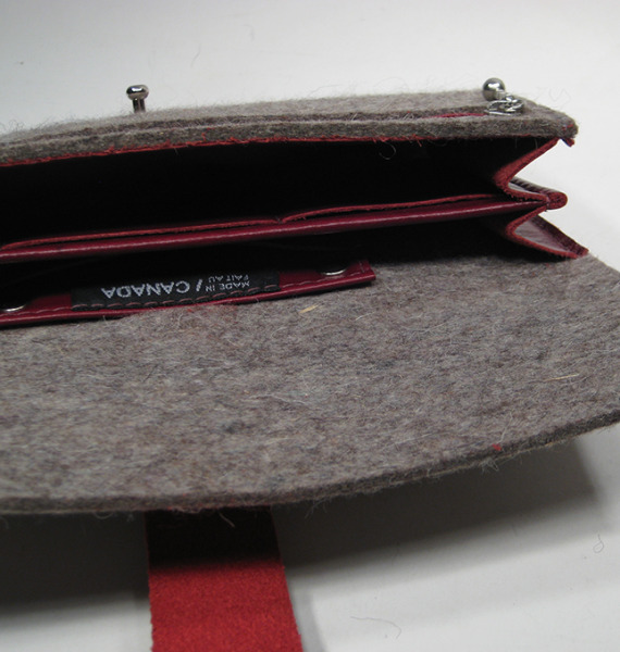 Comme-Ca-Wallet-Felt-Porte-Monnaie-Quebec-Recycled-Leather-3