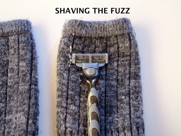 How-to-remove-fuzz-pilling-sweater-socks-wool-shaving-razor_SHAVING