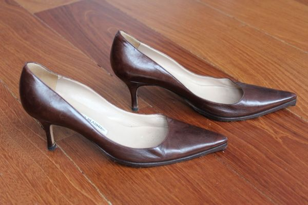 Manolo-Blahnik-Light-Brown-Short-Heels-Side