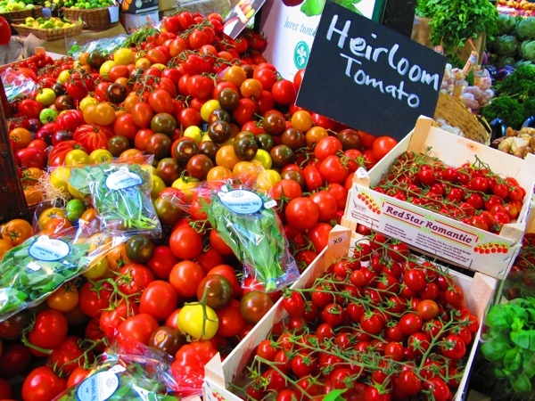Photograph_London-England-Europe-Tomatoes-Food-Vegetables-Market