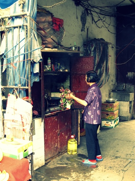 Shanghai-China-Photograph-Restaurant-Old-Woman-Kitchen-4