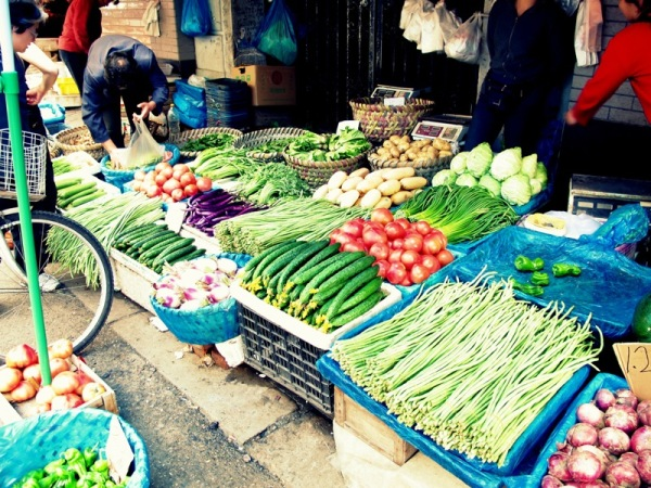 Shanghai-China-Photograph-Street-Market-Vegetables-Ground