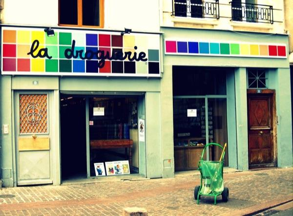 Travel-Photograph-Paris-France-Pharmacie-La-Droguerie-Shopping