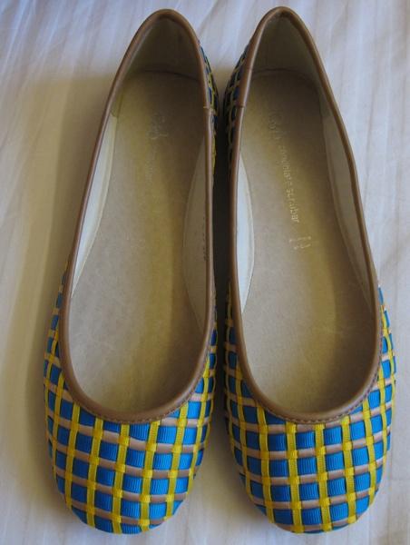 Wardrobe-Woven-Blue-andYellow-Ballet-Flats