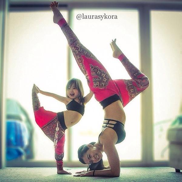 Yoga-with-Mom-Laurasykora-cute