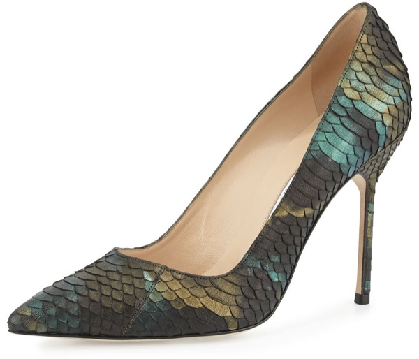 manolo-blahnik-blue-bb-105mm-iridescent-watersnake-pump