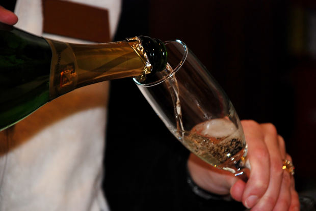 stock-wedding-marriage-drink-bar-alcohol-celebration-party-2