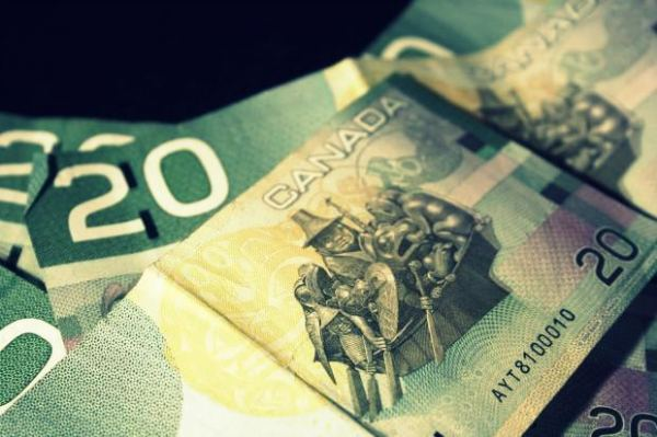 stock_canada-bills-money-cash-20-2