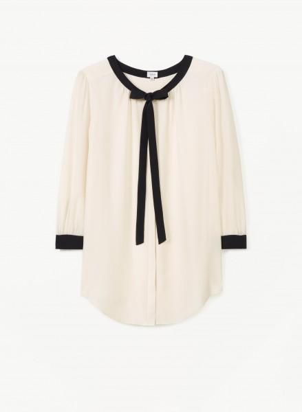 t-babaton-aritzia-sabrina-blouse-black-trim-white-blouse-front