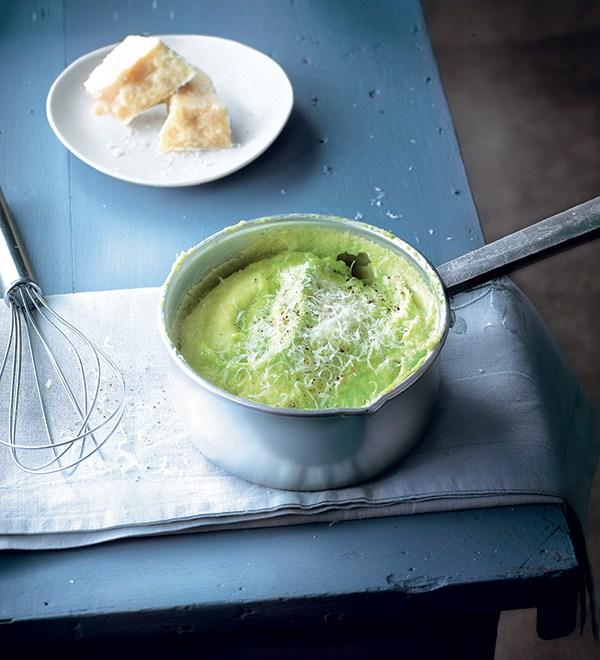 Polenta cremeuse aux petits pois : une recette originale