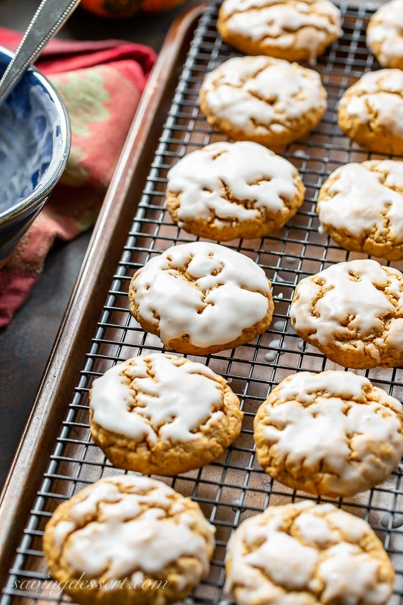 A cooling rack with spiced pumpkin oatmeal cookies