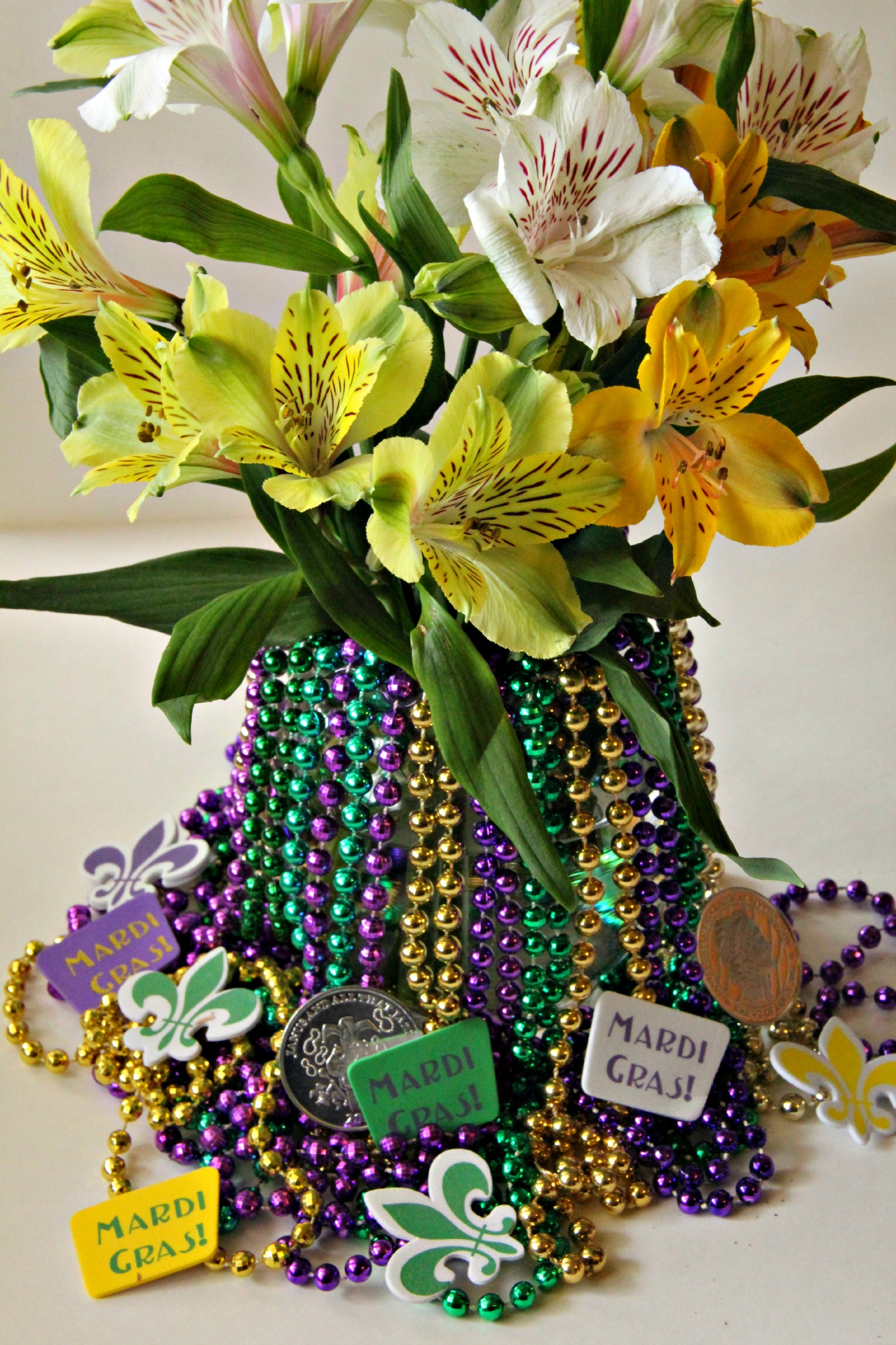 Mardi Gras Decoration Centerpiece