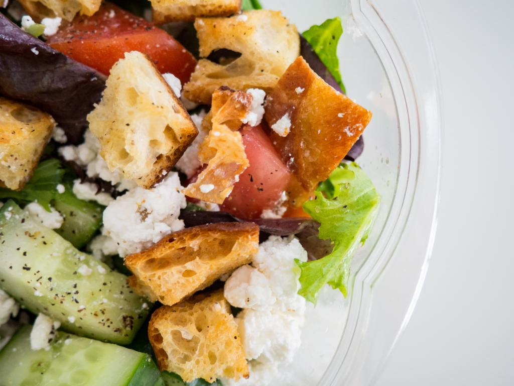 homemade salads to reduce my groceries budget