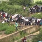 Hiljade migranata postavili šatore svega dva kilometra od EU: Mještani i policija gube bitku protiv nasilja i kriminala (VIDEO)