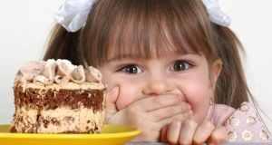 trebaju li djeca jesti slatko