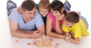 roditelji u igri s djecom