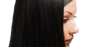 crna i njegovana kosa