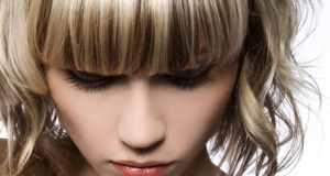 Kako sakriti podbradak uz pomoć šminke i odjeće