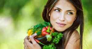 žena s hranom