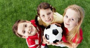 djeca s loptom