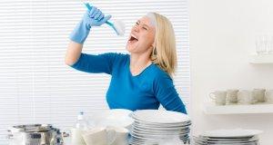 žena u kuhinji