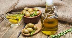 bočica maslinovog ulja