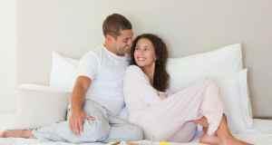 bračni par u krevetu