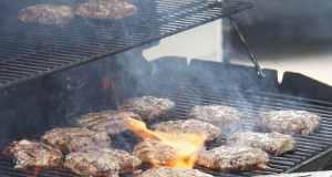 kako upaliti plinski roštilj