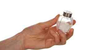 Kako smanjiti unos soli