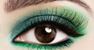 lijepo našminkane oči