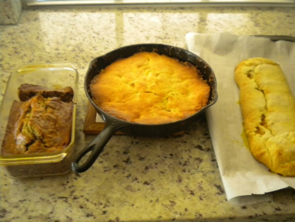 view from top of banana bread, apple cake and another Italian dessert