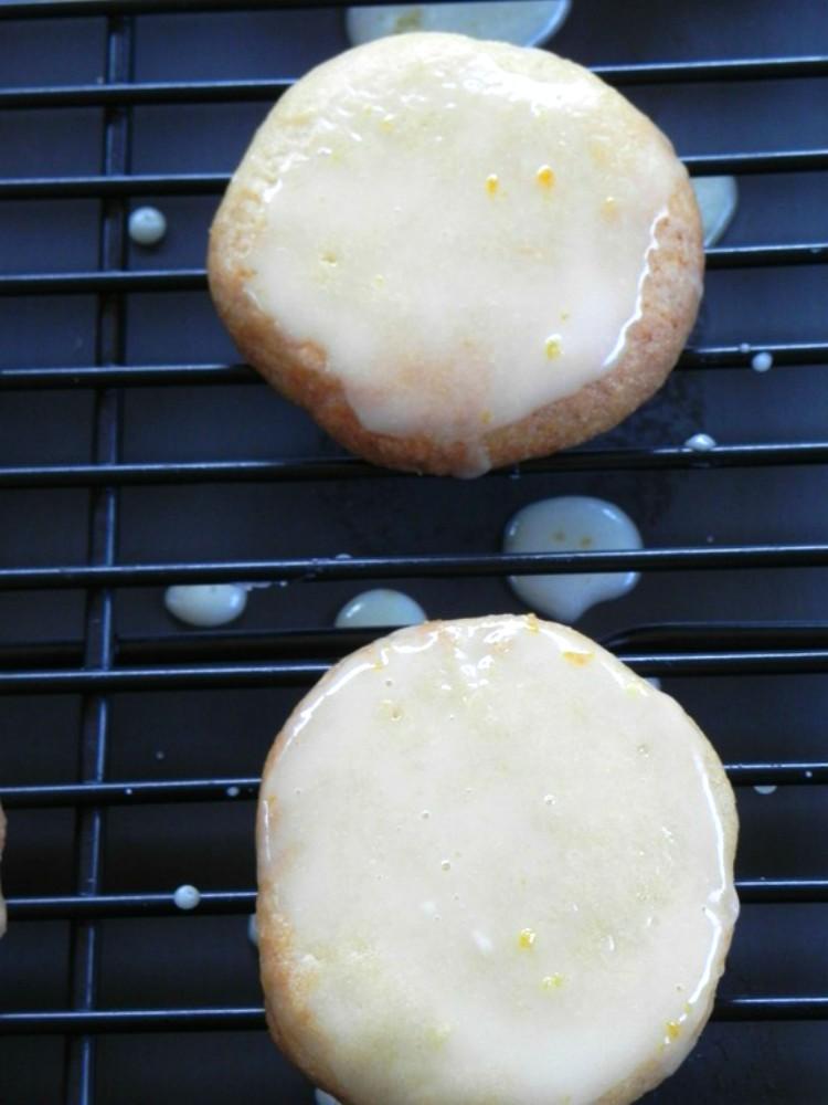 overhead image of glazed lemon cookies