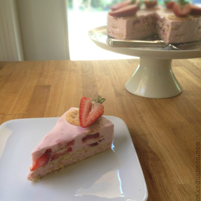 Strawberry Marshmallow and Cracker Cake