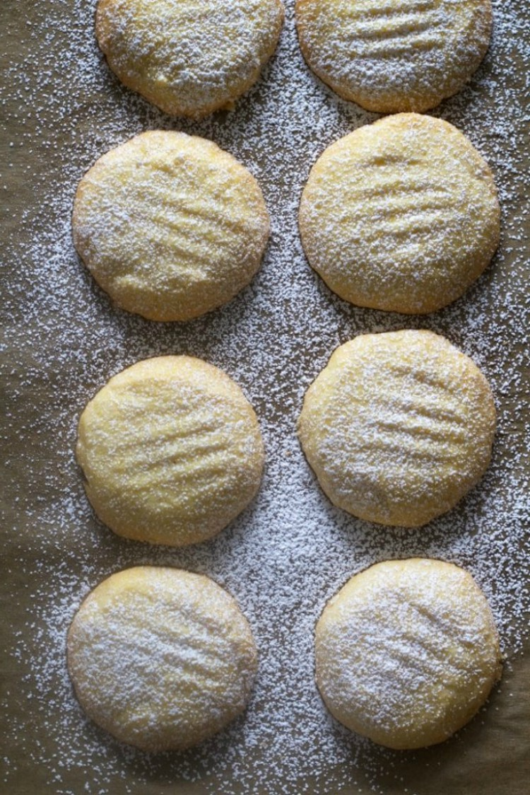 overhead imgae of cookies with powdered sugar