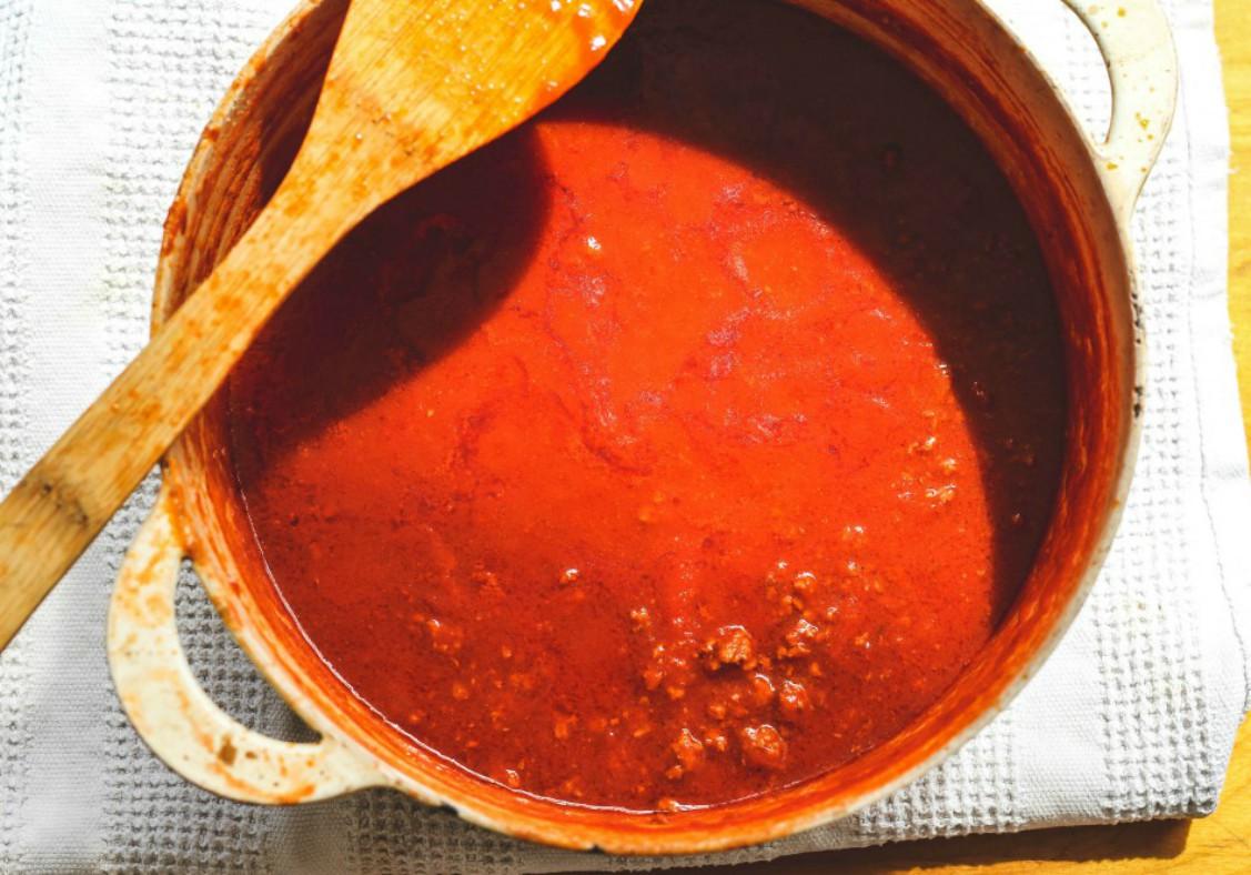 overhead image of sauce in sauce pan