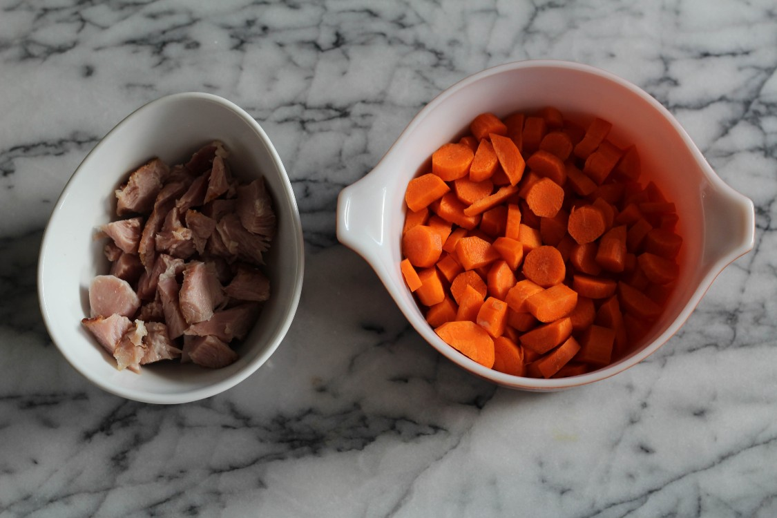 image of ham and carrots in bowls