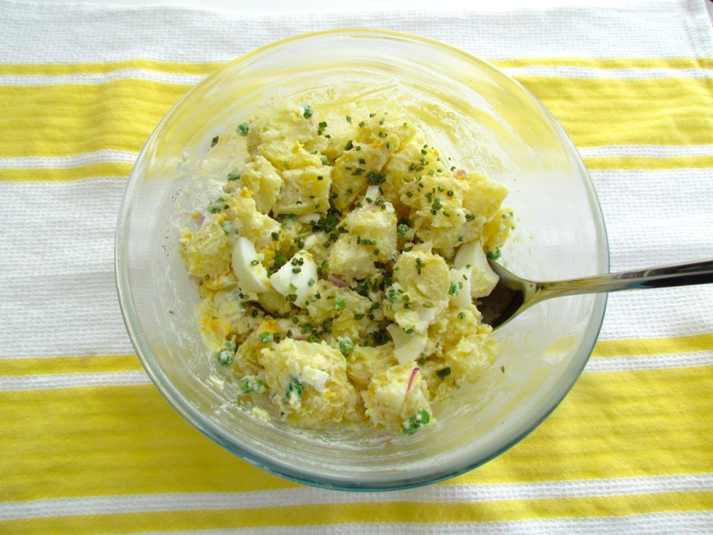 potato and egg salad with peas