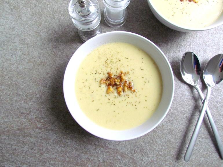 velouté de chou-fleur et noix de cajou | www.savormania.com
